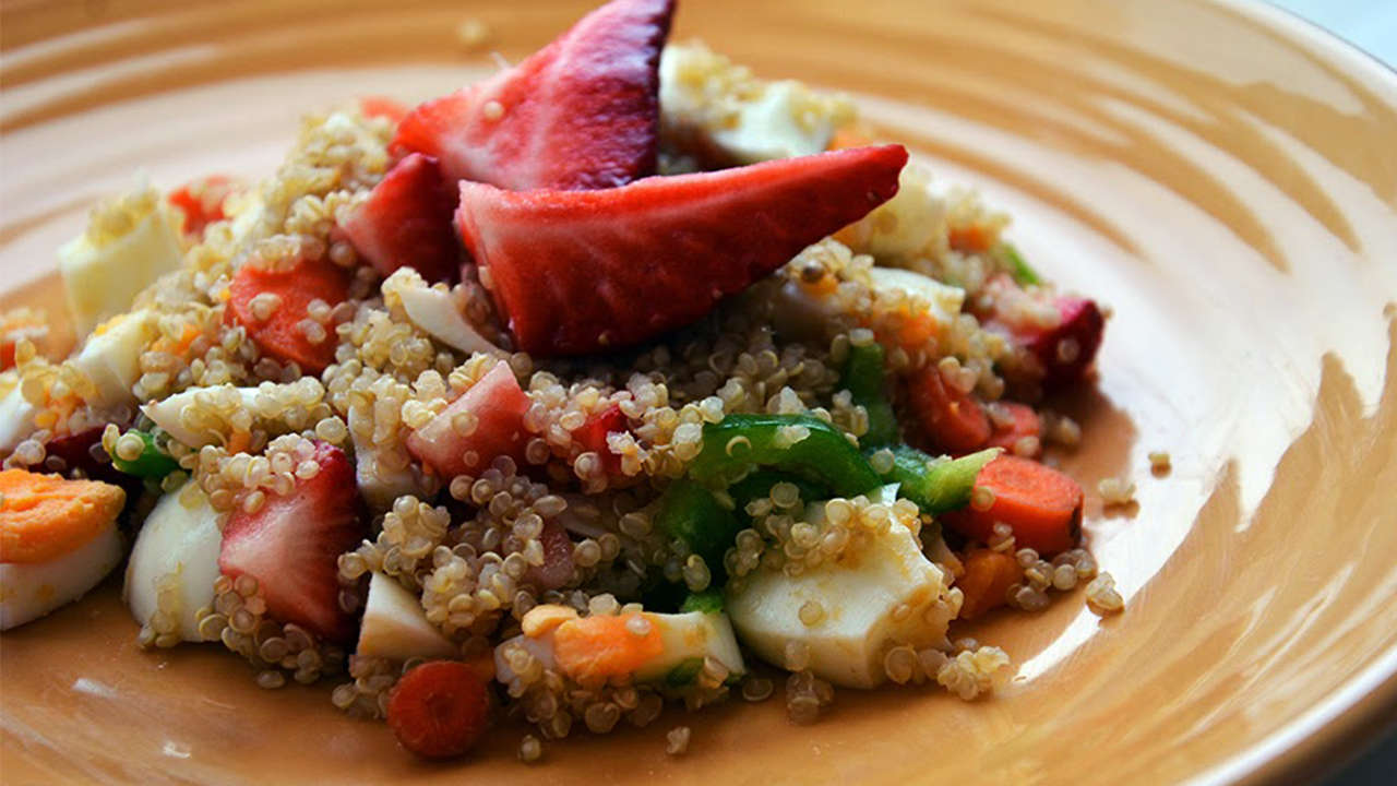 Strawberry and spinach quinoa salad