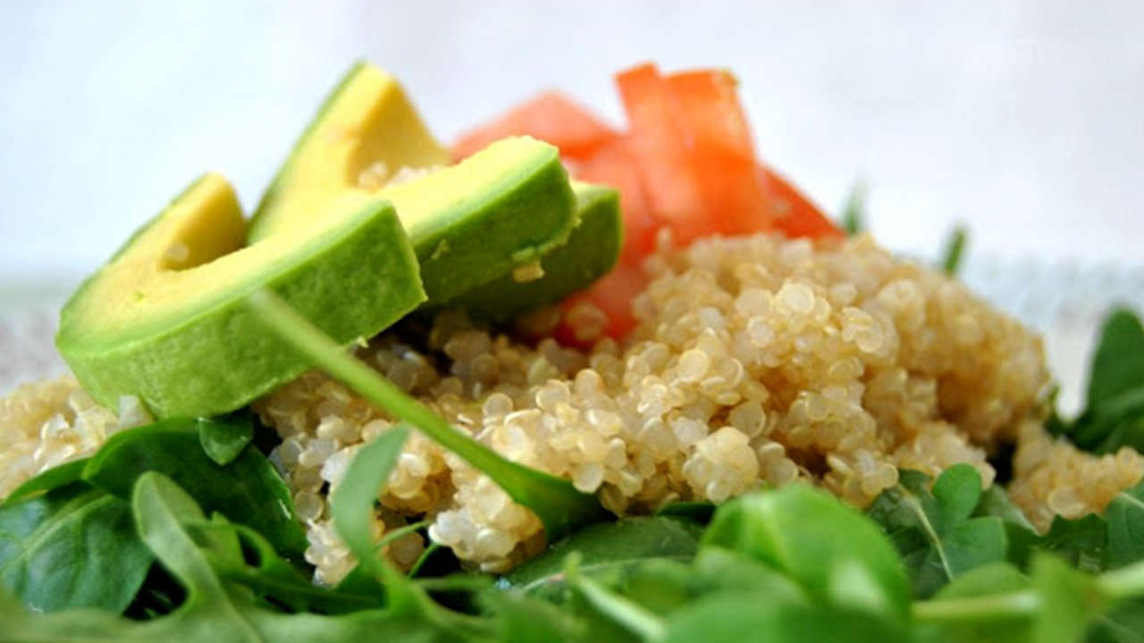 Quinoa salad with rugula, tomato and avocado