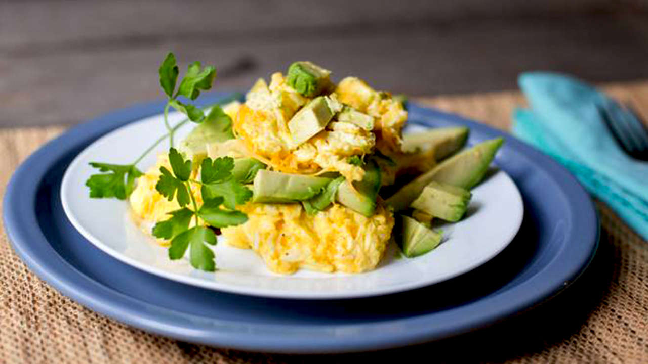 Avocado Scrambled Eggs with Onion and Goat Cheese