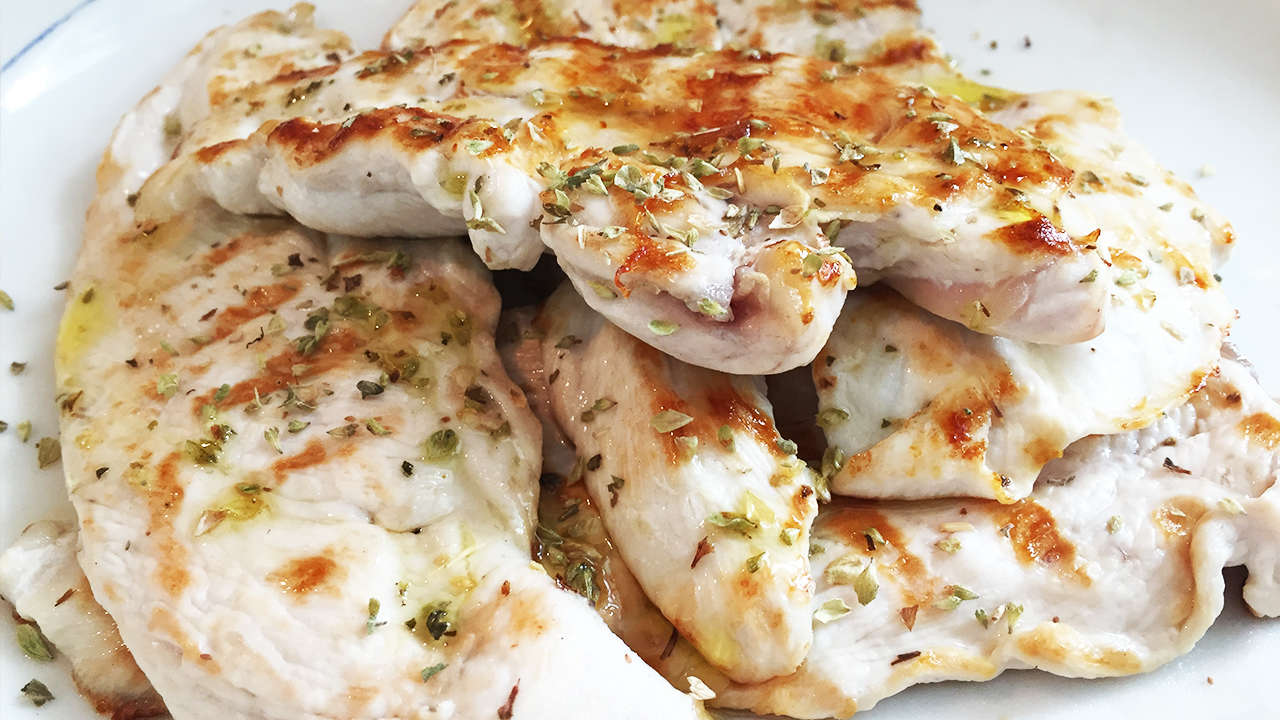 GRILLED CHICKEN BREAST WITH OREGANO