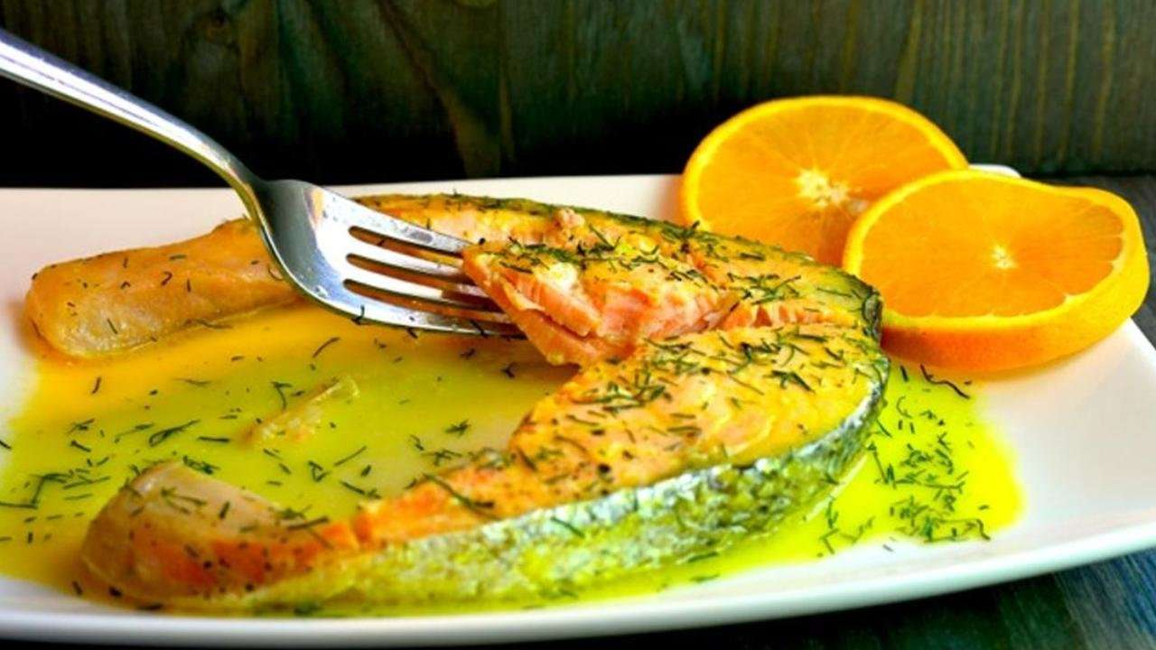 SALMON FILLET WITH ORANGE