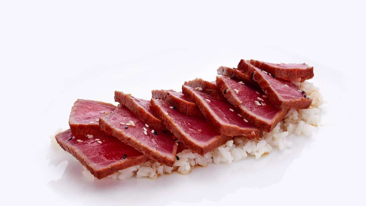 TUNA TATAKI MARINADED IN HERBS AND CITRUS FRUIT
