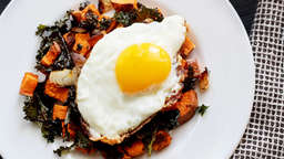 Sweetpotato and kale with egg