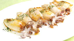 Grilled squid with garlic and parsley
