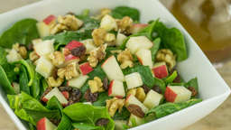 Spinach, apple, raisins and egg salad