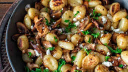 Potato gnocchi with mushrooms and feta