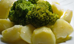 Potato with broccoli